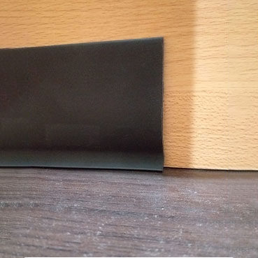 Zocalos j negro 7.5cm